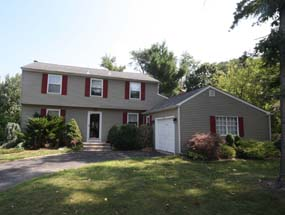 6 Winding Way, Berlin – $259,900